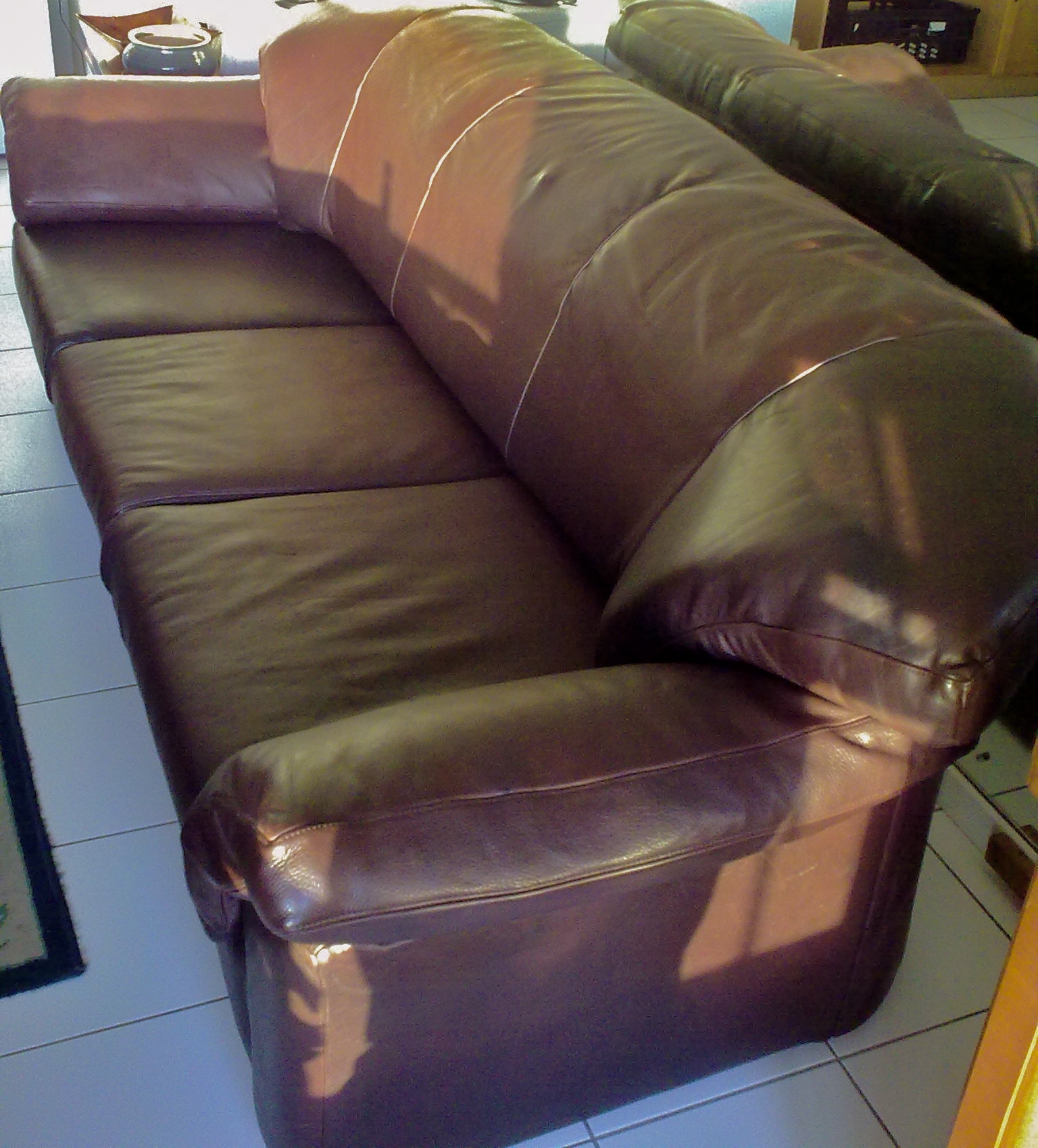 Reupholster leather lounge suite upholstery cape town for Recover furniture cape town